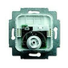 ABB 2CKA001032A0516 Přístroje Přístroj termostatu pro topení/chlazení, s přepínačem funkce