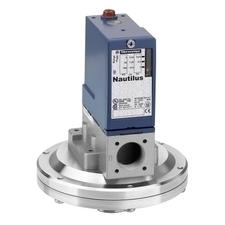 SCHN XMLA001R2S11 Tlakový spínač kovový, pomocné obvody RP 2,65kč/ks