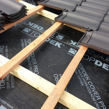Samolepící asfaltový pás z SBS modifikovaného asfaltu TOPDEK COVER PRO