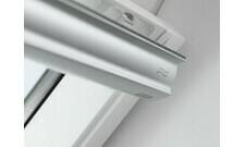 Okno střešní kyvné Velux GLU 0061 MK06 78×118 cm