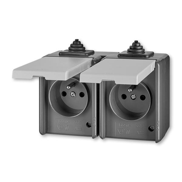 Zásuvka dvojnásobná pro průběžnou montáž Praktik šedá
