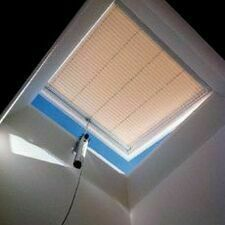 Manuální žaluzie světlíky DEKLIGHT PL11 A=70x100