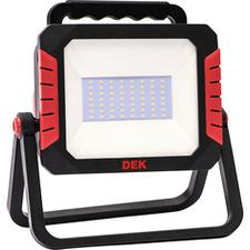 Reflektor LED so zásuvkami